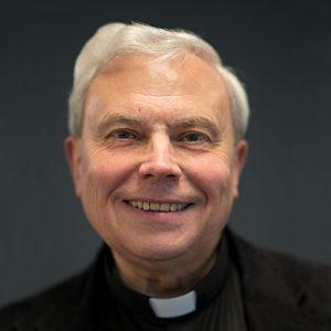 Dr. Norbert Bathen