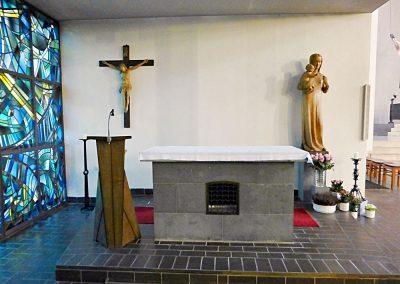 St Petrus Canisius Innenansicht 4